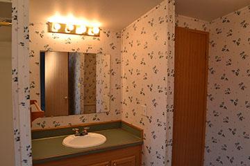 Thorton_bathroom.jpg