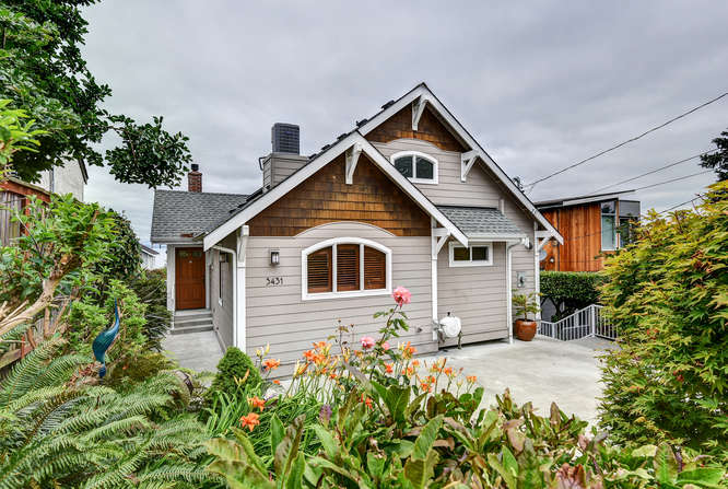 3431 59th Ave SW , Seattle, WASHINGTON 2,200 SQ FT –3 BED/1.75 BATH PENDING: 7/12/16    listing agent:  Aaron rysemus , 206.459.4724