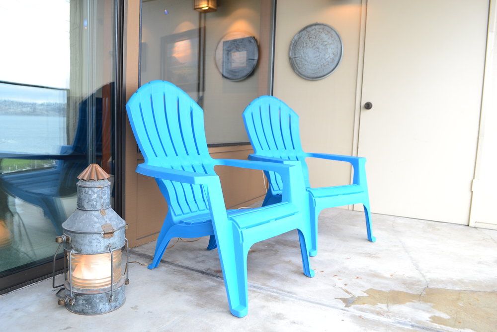 balcony blue chairs.JPG