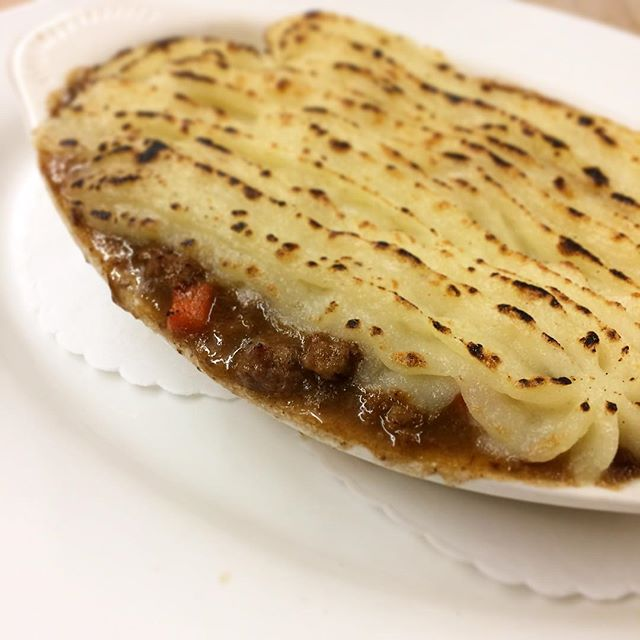 🍀Who's looking forward to Shepherd's Pie today? 🍀#HappyStPaddysDay #BreezyPointInn #LakeSideLunch #GreenwoodLake #Monroe #Warwick #WestMilford #Chester