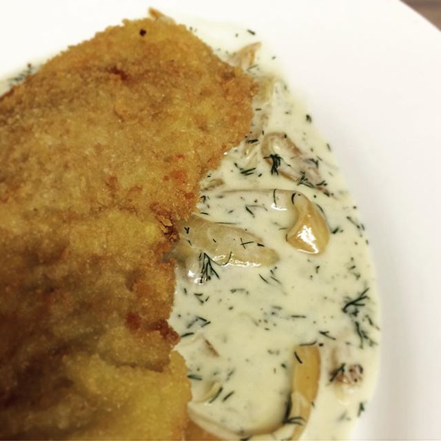 Who's in the mood for a Rahm Schnitzel?!! #Mondays #Yum #LakeSideLunch #GreenwoodLake . . . . . . . . . . #NewYork #NewJersey #Warwick #WestMilford