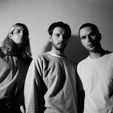 Spindle Magazine: Premiere:  Virgin Kids' music video 'Bruised Knees'