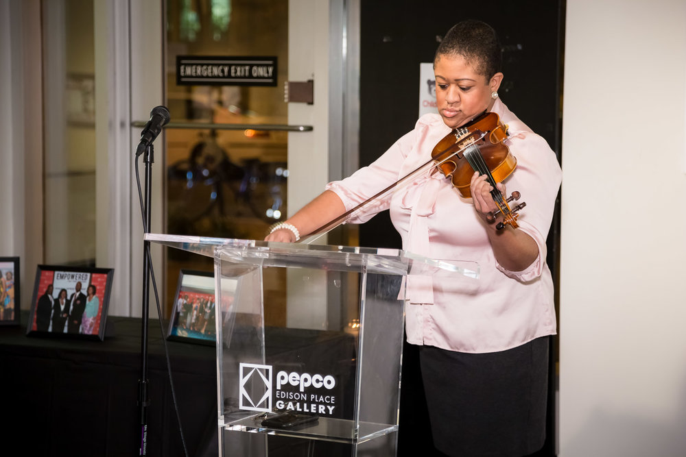 Violinist extraordinaire, Candice Mott.