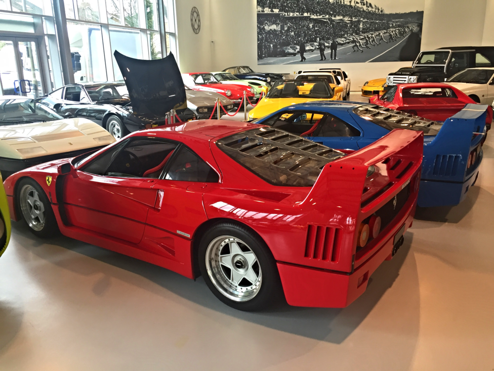Various older models, including quite a number of Ferrari F40s