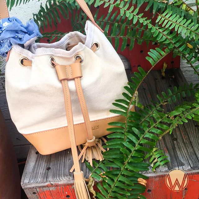 🍂🌀🍂 Bring your favorite canvas #handbag with you on all your #fall adventures! Shop our line today! LOOK GOOD + FEEL GOOD + DO GOOD #GoodThingsAreHappening #AdventureAwaits #PursuePretty #FallStyle #WomenFashion #Fashionista #Tassels #Accessorize #Positivity #CanvasBag #HappyPlace #GoodVibes