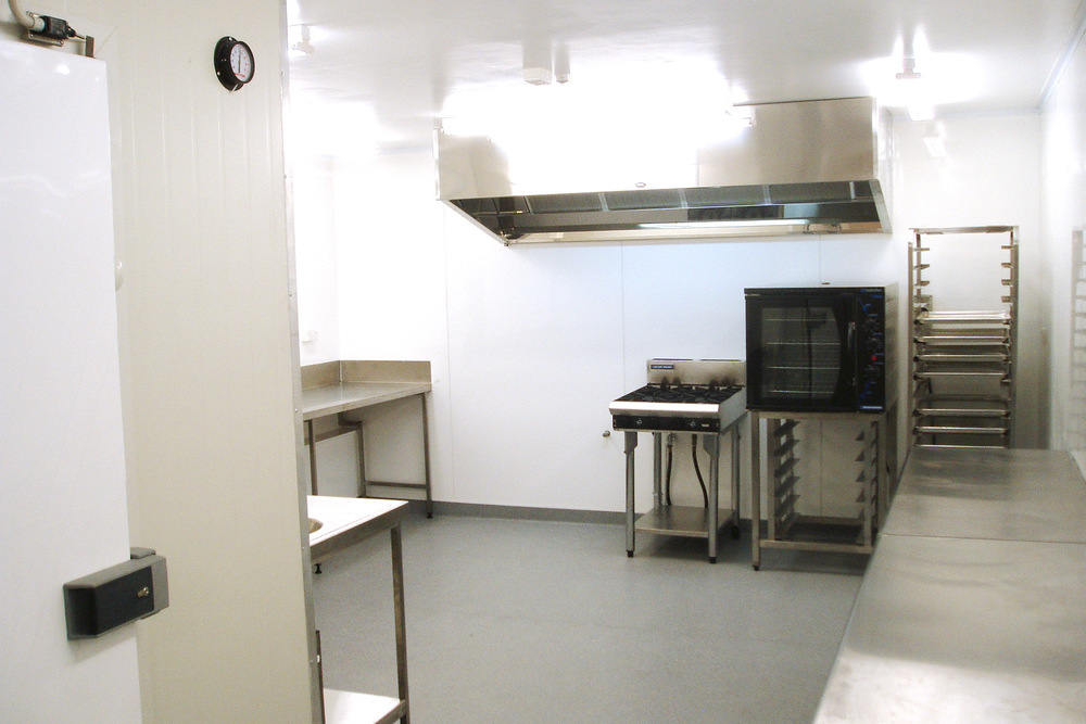 7a commercial kitchen.jpg