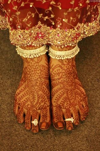 mendi.feet_.jpg