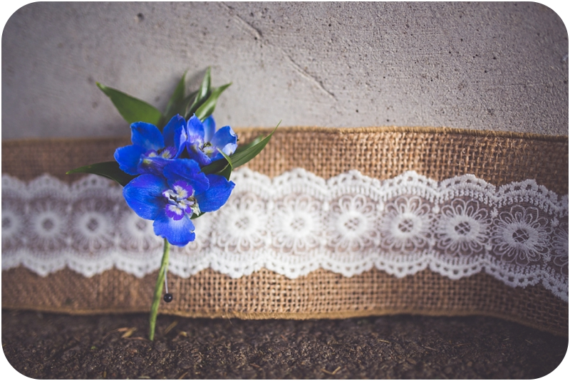 royal blue boutonnière photos, burlap and boutonnière