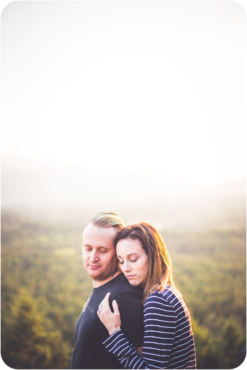 mountaintop-engagement-photos-little-mountain-vancouver-island