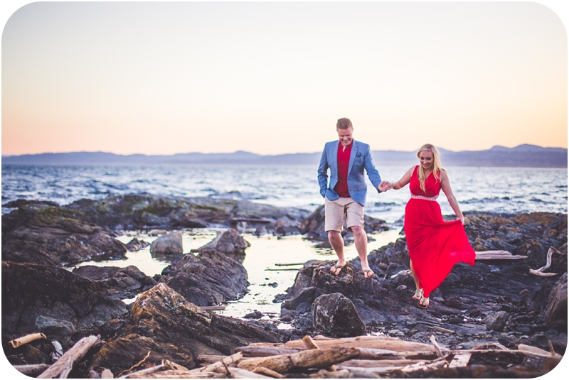romantic victoria bc engagement photographer