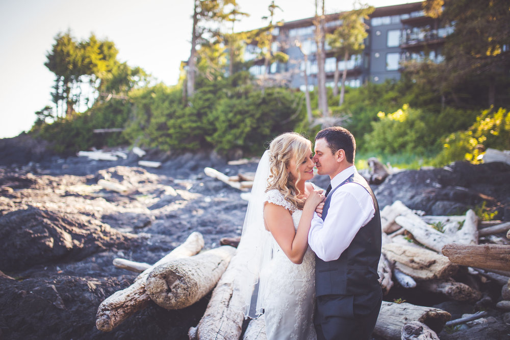 black-rock-oceanfront-resort-weddings-ucluelet-bc-courtney-jake-420.jpg