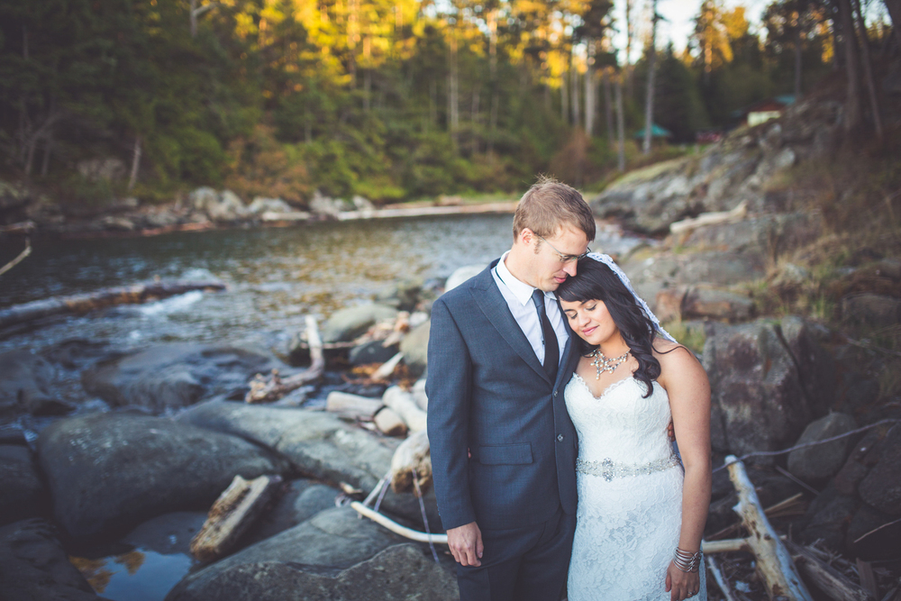 dragons-lodge-romantic-gabriola-island-wedding-137.jpg
