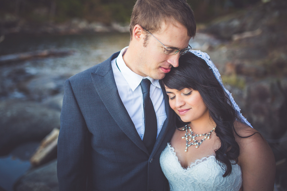dragons-lodge-romantic-gabriola-island-wedding-139.jpg