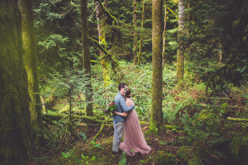 Romantic Vancouver Island Wedding Photographer