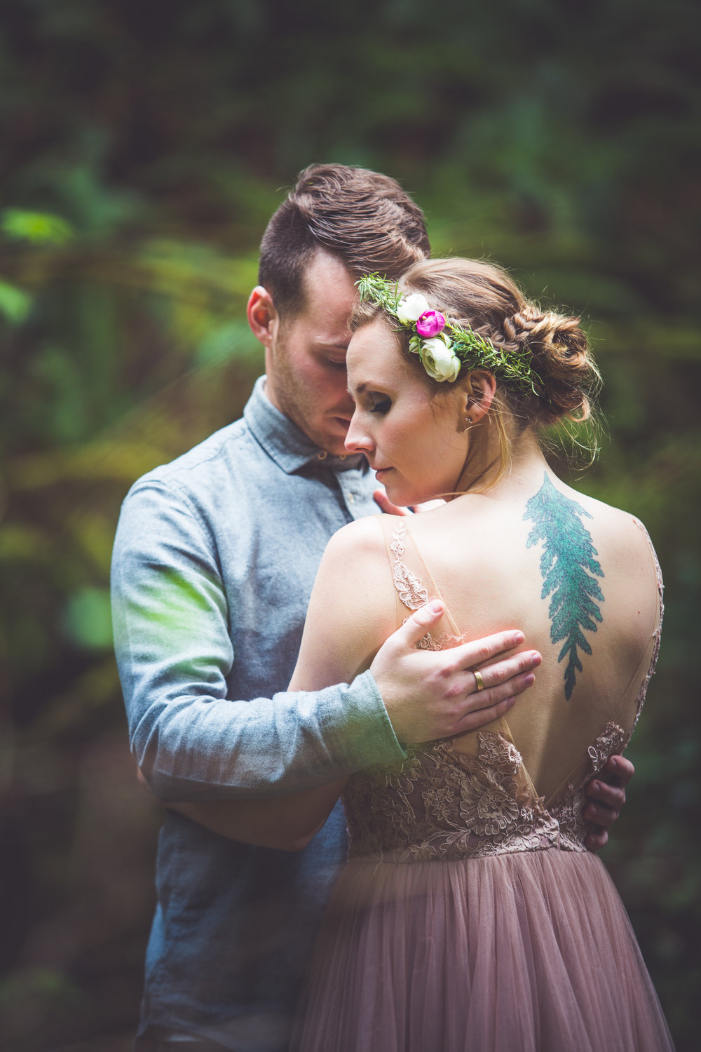 cedar bow tattoo on bride for vancouver island wedding
