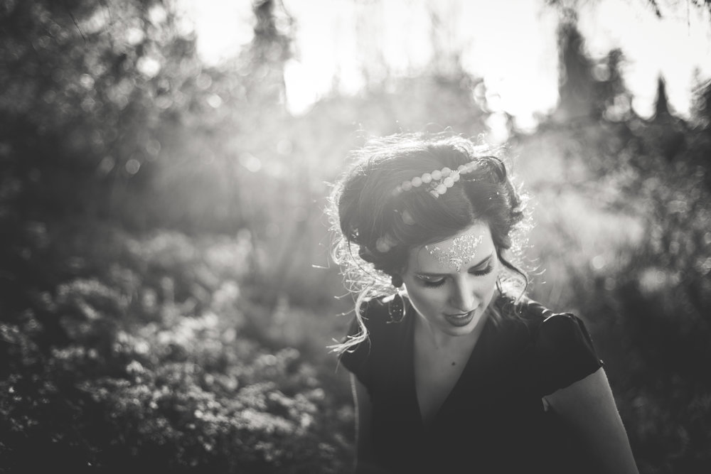 beauty portrait black and white parksville bc