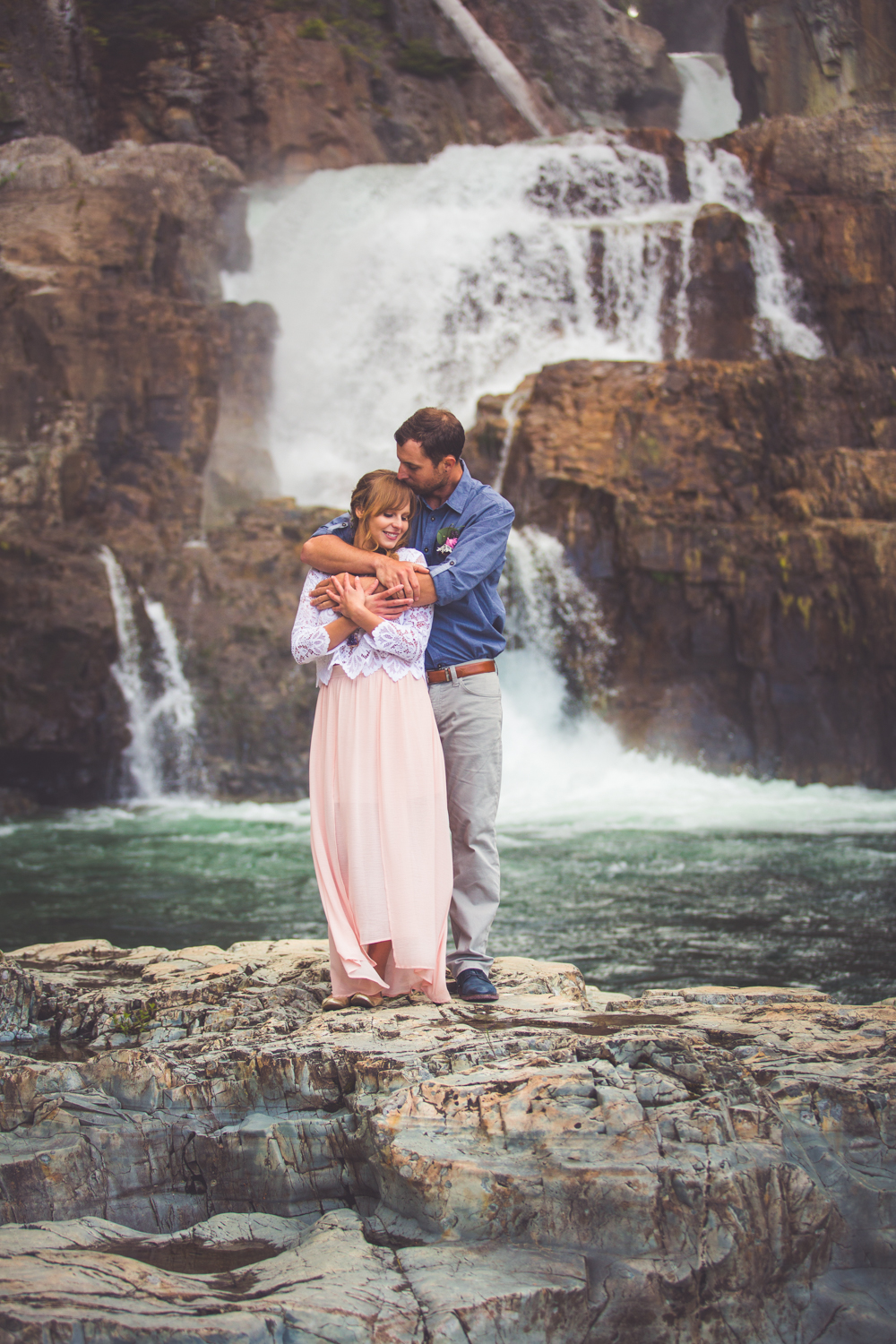 elopement at waterfall vancouver island