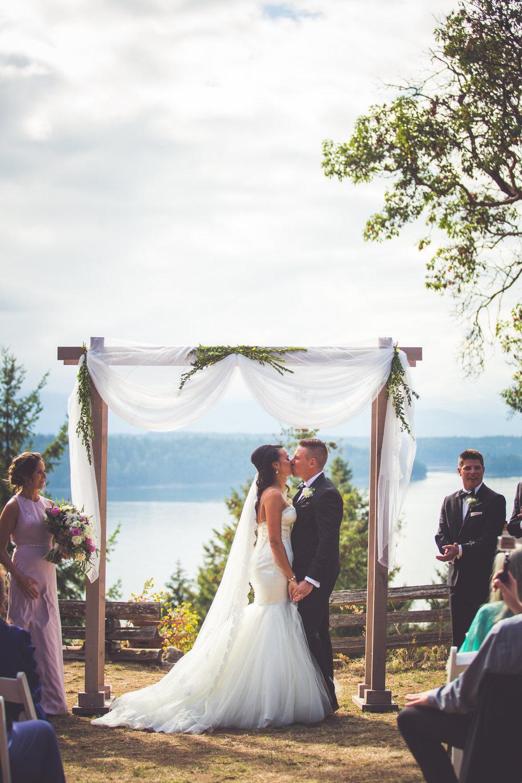 gabby-nico-married(324of826).jpg