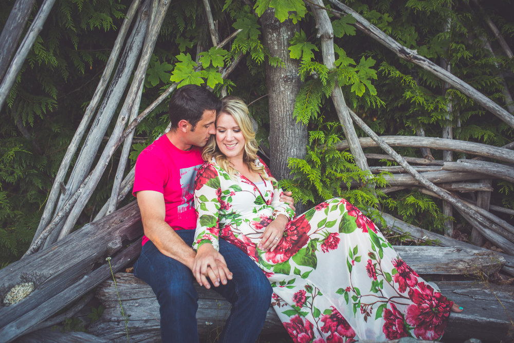 driftwood bench engagement photos