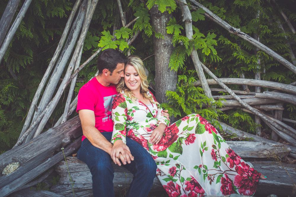 driftwood bench engagement photos