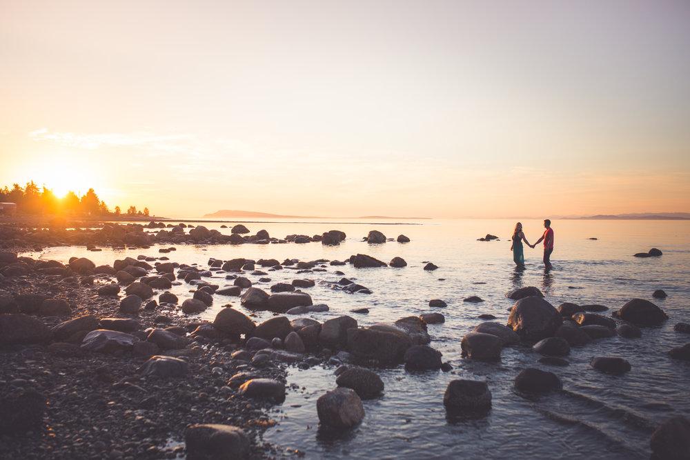 romantic Vancouver Island wedding photographers