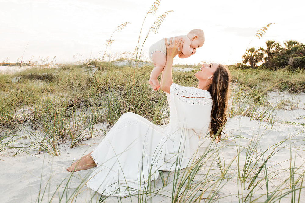 nursing-mommy-and-me-motherhood-photography-tybee-beach-savannah-richmond-hill-georgia-ga13.jpg