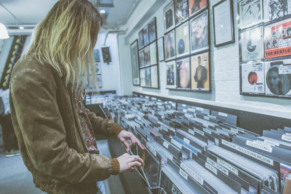 Isaac Gracie - Record Shopping - Sister Ray - 04.04.2018 - Ant Adams-5.jpg