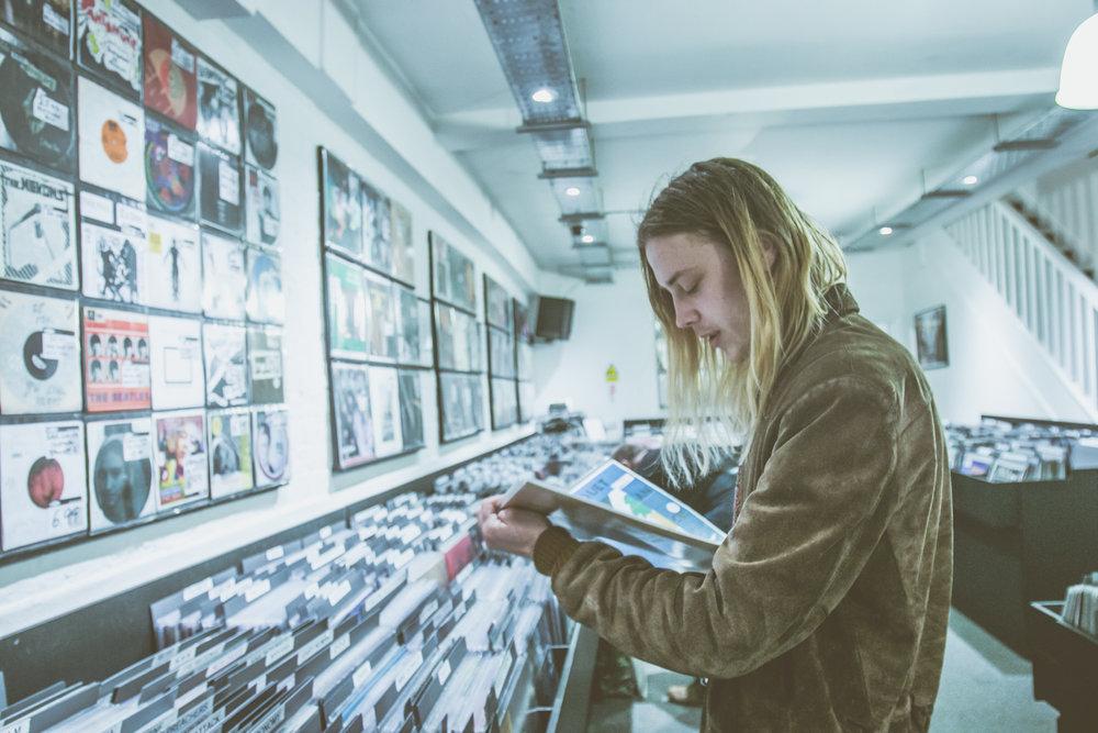 Isaac Gracie - Record Shopping - Sister Ray - 04.04.2018 - Ant Adams-7.jpg