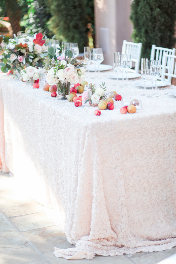 The best La Tavola tables on A Savvy Lifestyle [B. Schwartz Photography | VIA Style me Pretty | TOAST Event And Design Studio | Toast SB Flowers]