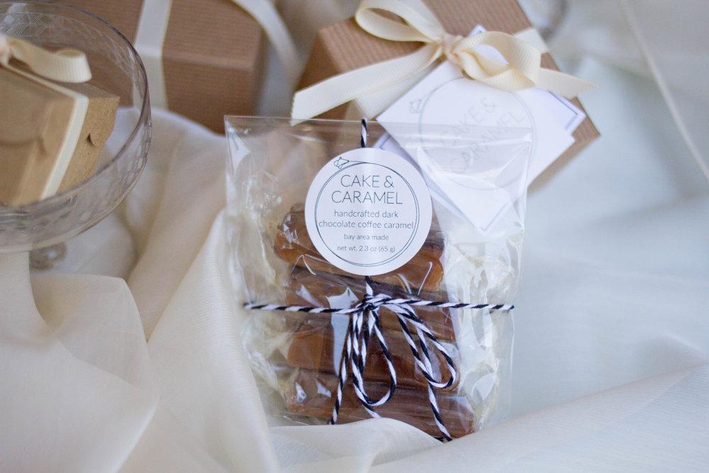 cake & caramel wedding favor