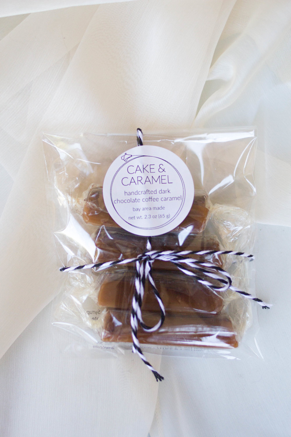 cake and caramel wedding favor