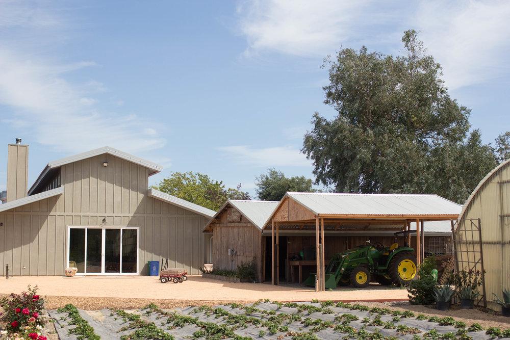 sonoma broadway farm barn