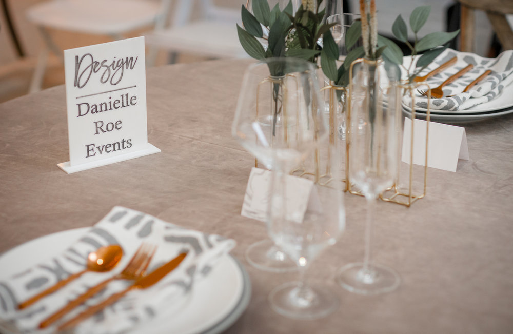 gray and gold romantic table design