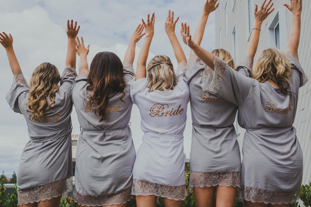 bridal party photo ideas modern bridal party photos bridetribe Kimpton Sawyer wedding