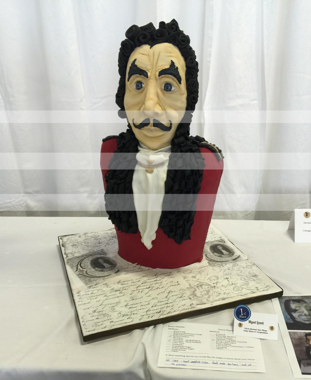 """Pastel elaborado por Ángel Lomeli de Pastry Glammm, ganador del primer lugar en la categoría """"Sculpted Cakes""""."""