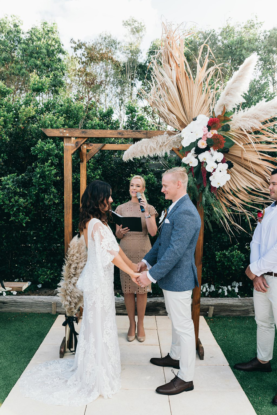 tweed-coast-weddings-wedding-venue-osteria-casuarina-garden-ceremony-reception-coastal-elyse-peter022.jpg