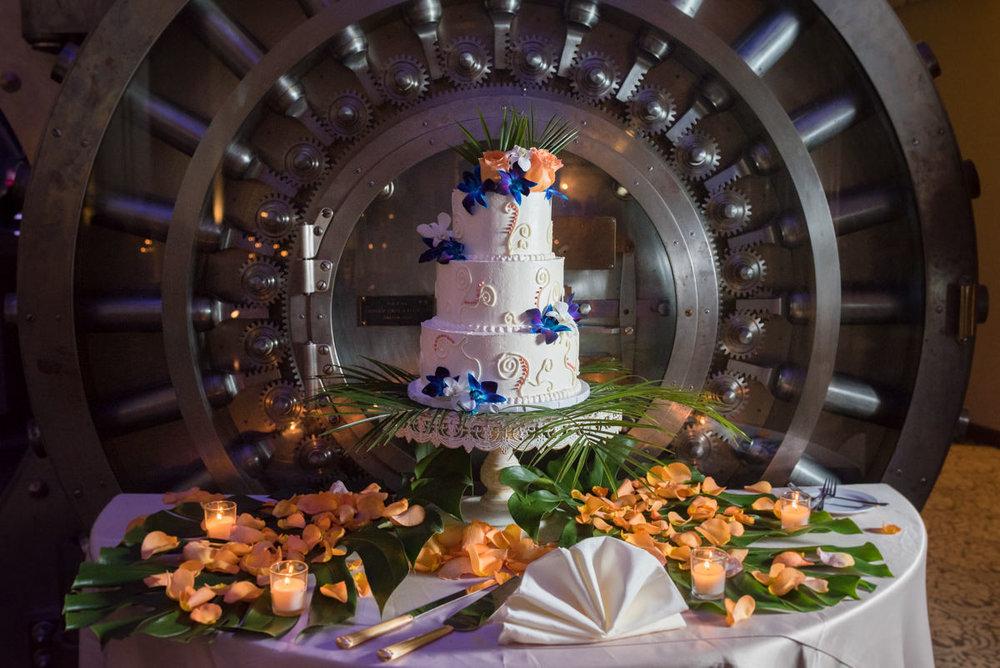 Wedding Cake at the Treasury On The Plaza