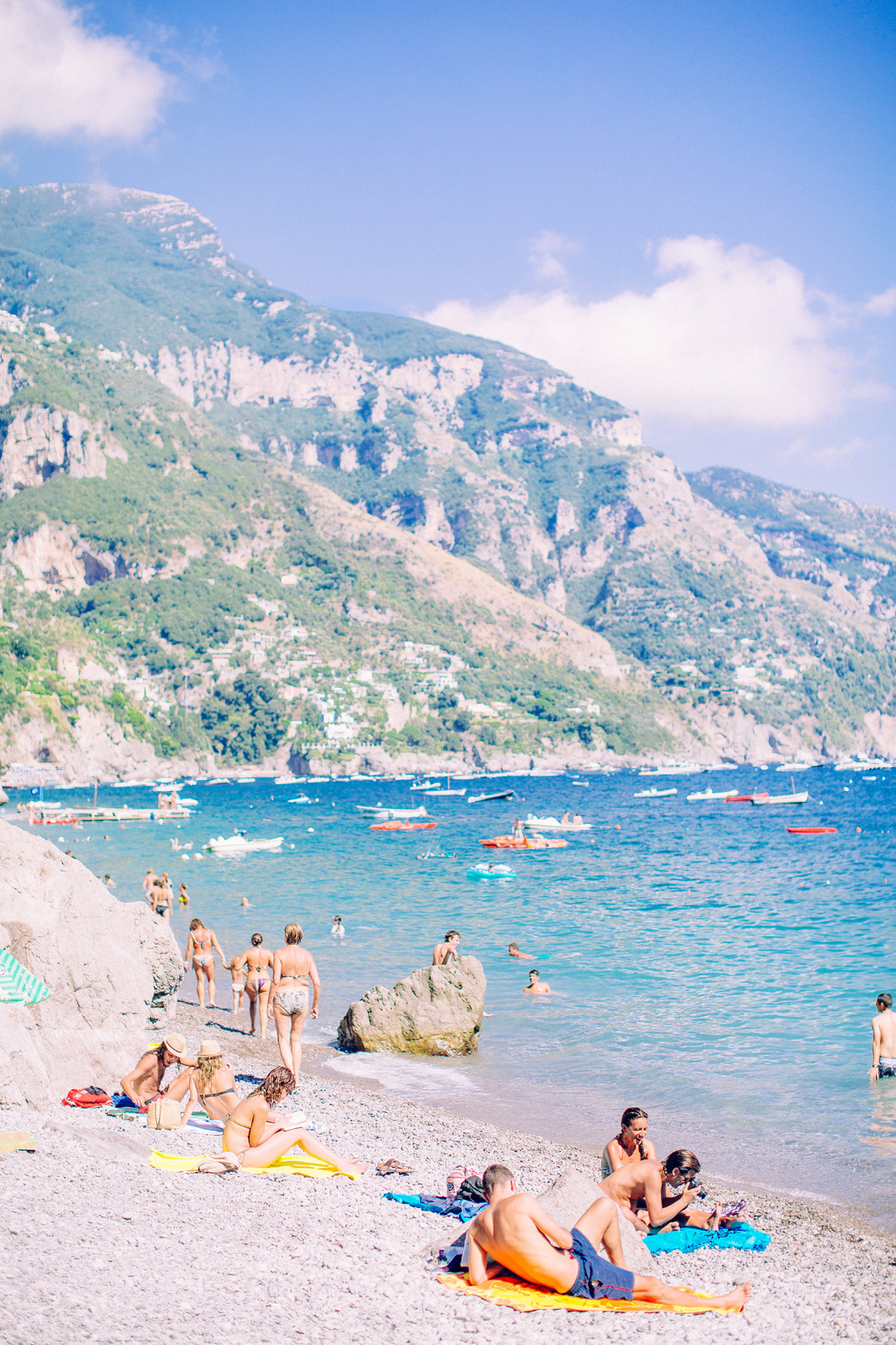 _Positano-Beach-Sunny-Day-Love-Note-Photography