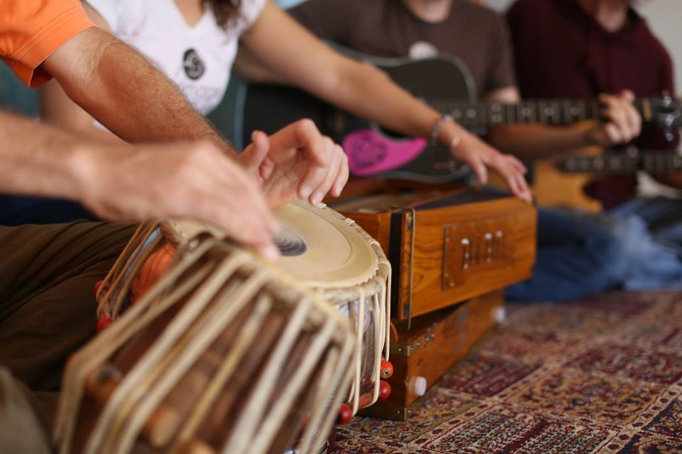 Kirtan Band Mantra Bhakti