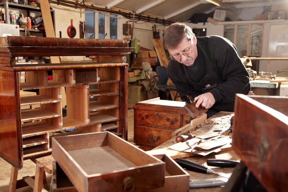 We have a team of  Highly Skilled Artisan Craftsmen