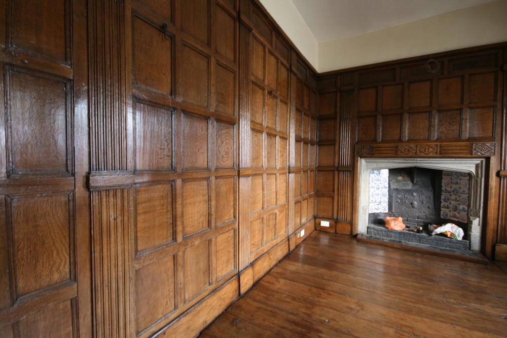 wonderfully restored 17th century oak panelling