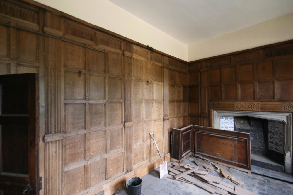 17th century Oak panelling before restoration east sussex