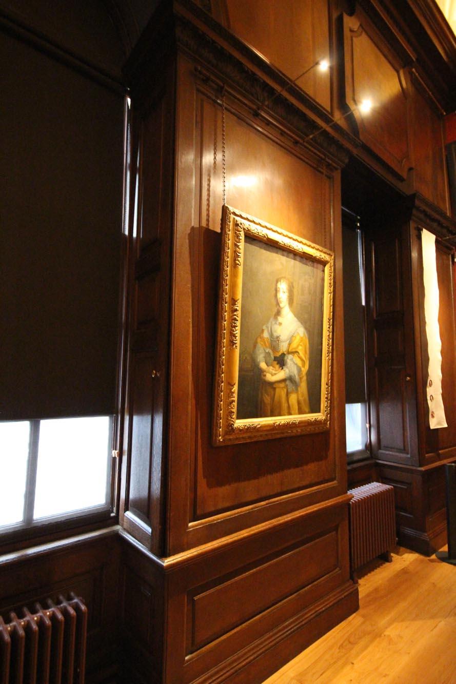 Large oak restored panels after waxing - kensington palace london