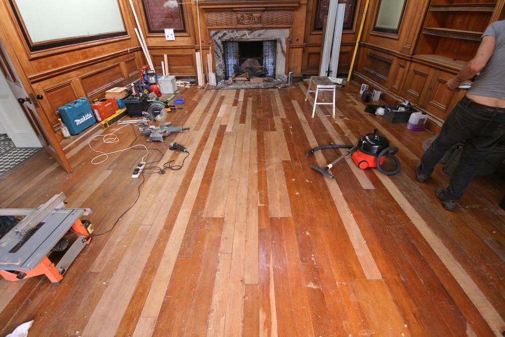 oak flooring having been reinstated