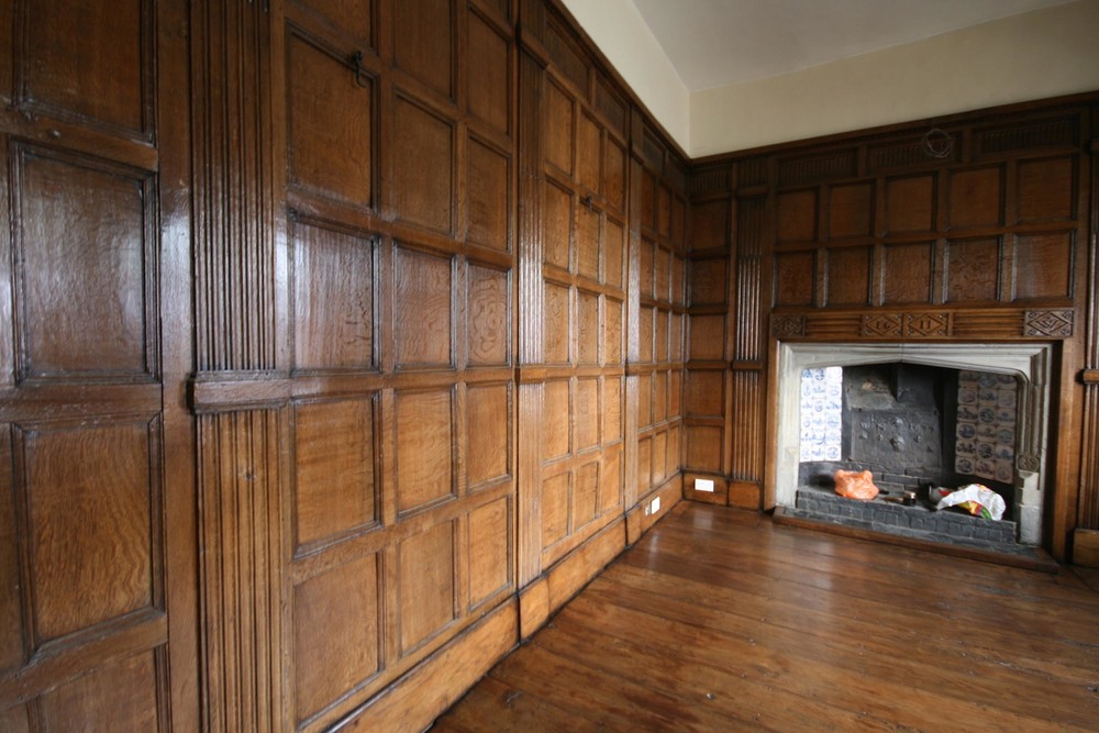 Oak panelling made to the Arts and Crafts style