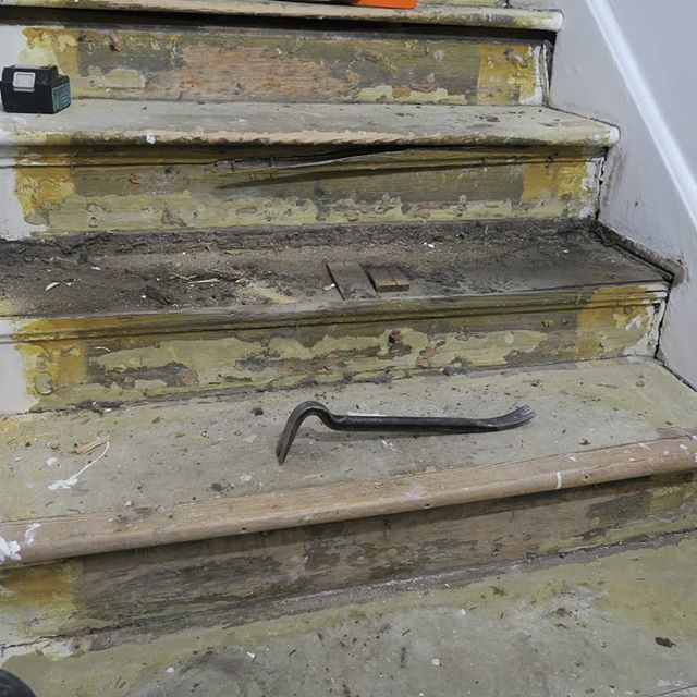 Staircase circa 1730  Worn stair treads before restoration ⠀ #restoration#staircase#london#hampstead#georgian#conservation#joinery#vincentreed