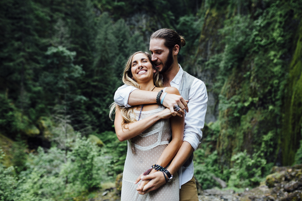 Nataly Zigdon Photography | Portland Oregon | Columbia River Gorge | Wahclella Falls | Couple Session