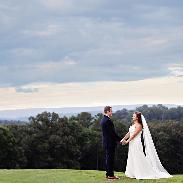 What a beautiful #weddingday  #truelove #maryalochridge #weddingphotography #countryclub #countryclubwedding