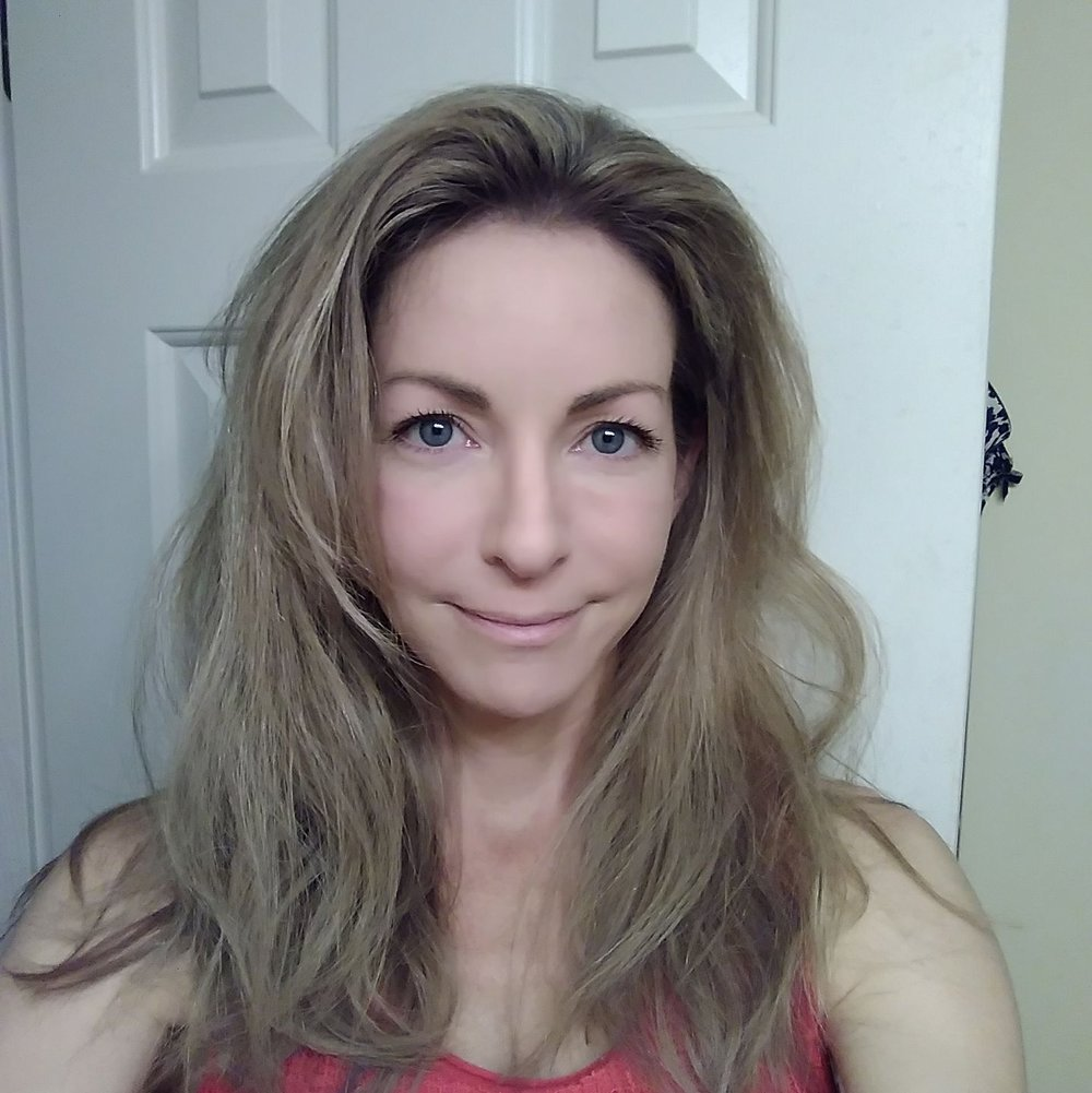 Elizabeth Profile Pic.jpg