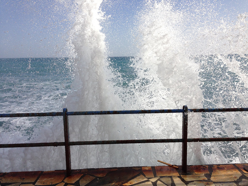 Ierapetra waves